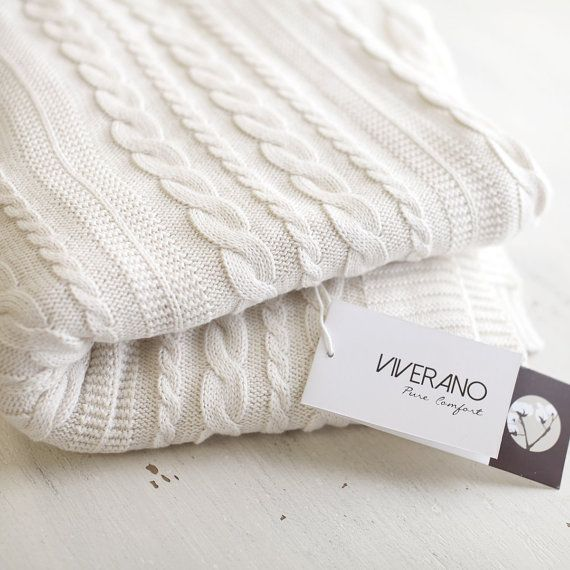 Viverano Organic Cotton Cable Knit Throw, Knitted Blanket, 50 x 70 Inches, Soft, Thick, Warm, Luxurious, Non-Toxic, Eco-Friendly, Gifts.