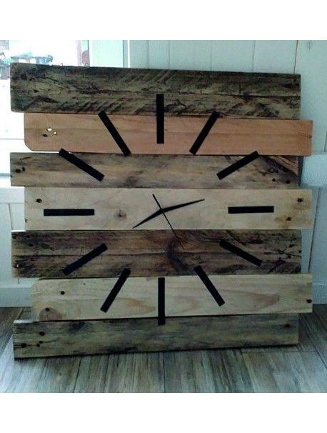 Dřevěné hodiny ticho a pohoda. Rozměr 55 x 55 cm  Kód: 12D40177 Wooden clock  Stav: Nový produkt  Dostupnost: Skladem  Dřevěné hodiny na chalupu či do kuchyně, jejich nádherný elegantní vzhled Vás vrátí do dětství k babičce a dědečkovi. Jedinečný styl hodin, pocit domova. Každý kus je jen jeden, je to originál.