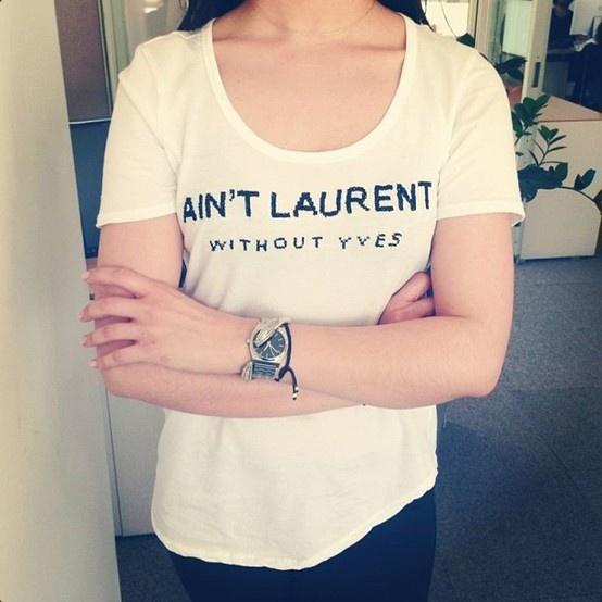 @ELLE Türkiye #ofistebugun Yves'siz Saint Laurent istemiyoruz.