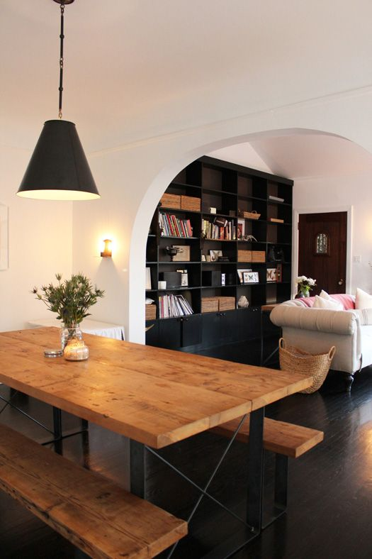 Love the black bookcases! #built_ins #bookcase #Dining_table