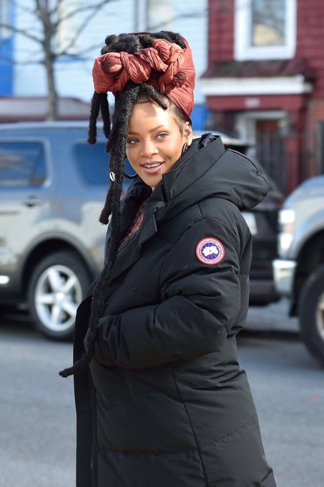 November 22: Rihanna on set of 'Ocean's Eight' movie in NYC.