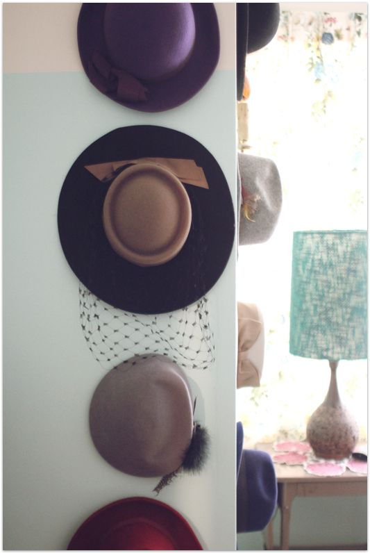 Best 25 hang hats ideas on pinterest hanging hats hat for Ways to hang hats on wall