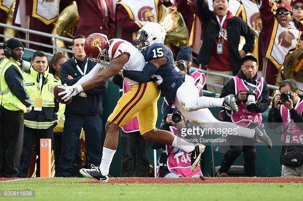 News Photo : Wide receiver Darreus Rogers of the USC Trojans...