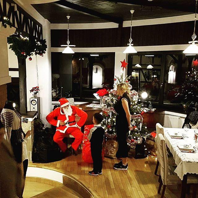 Santa was here... #moscraciun😘❤️❤️🎄🎅 #santa #winterishere #christmasmood #holiday #winterinbran #winterholidays #conacromanesc #conaculbratescu #bran #brancastle