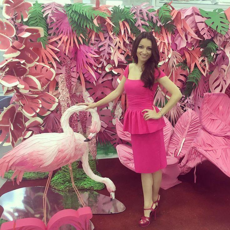 Розовый фламинго и розовая Ермилова спасибо всем, кто был сегодня на моем выступление на #womanhub  #emailmarketing#бизнестренер#бизнестренинг#ермиловавсегдаермилова#бизнесобучение#эффективность#selfmadewoman#❤️marketing#ermilovemarketing#businessmom