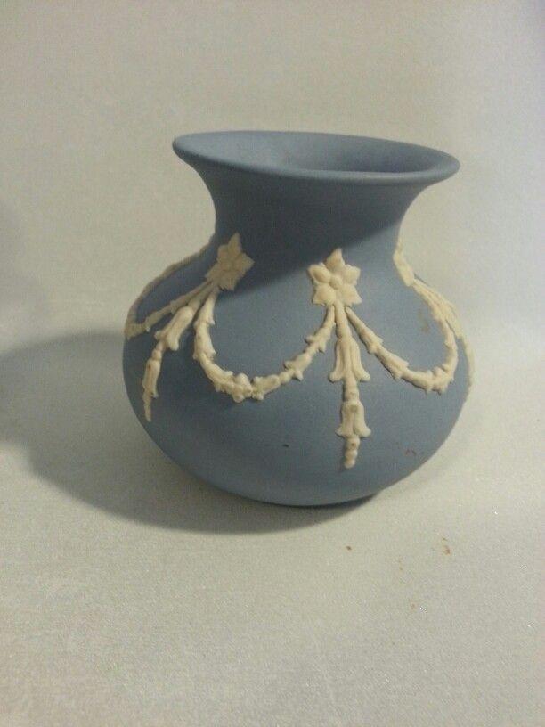 Ecanada pottery