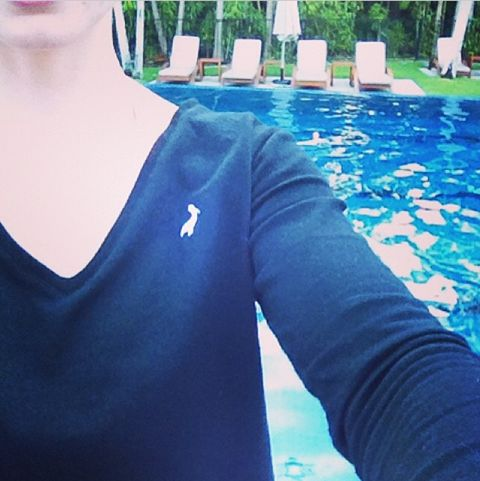 Mornings by the pool - great start to the day! Thanks for sharing @steph_matsa #bedtee