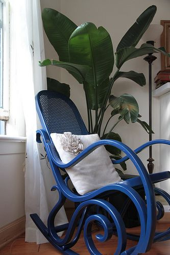spray paint a bentwood rocker