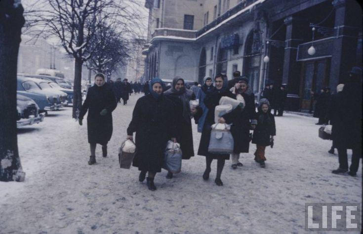 Москва и москвичи. Зима 1959 года глазами Карла Миданса (журнал Life). Часть 4: humus