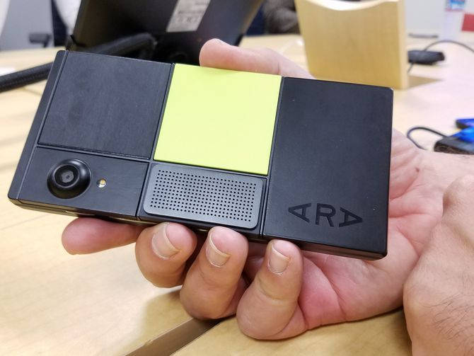 """<p>Facebook works secretly on a modular smartphone starting from the ashes left by the project ARA that Google has abandoned. This abandonment caused a certain disappointment, the social network is surrounded by personalities who have taken an important part in this work. Facebook Bikin Ponsel Modular, The Next """"Project Ara""""? […]</p>"""