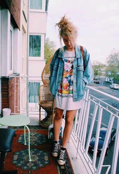 $90 Cool Grunge 90's Hipster Biker Chick Oversized Light Wash Light Blue Denim Jean Jacket Oversized Plain White T-Shirt Dress With Rainbow Coloured Logo Pattern And Black And White High Top Converse Sneakers Tumblr