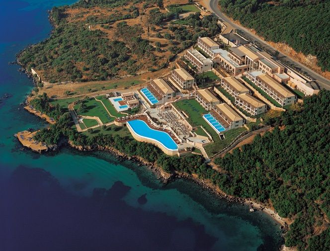 Ionian Blue is a luxury hotel on the eastern side of Lefkada. Is built on a natural descent, while its rooms are going downhill in front of the calm water! http://lefkadarooms.com/ionian-blue/