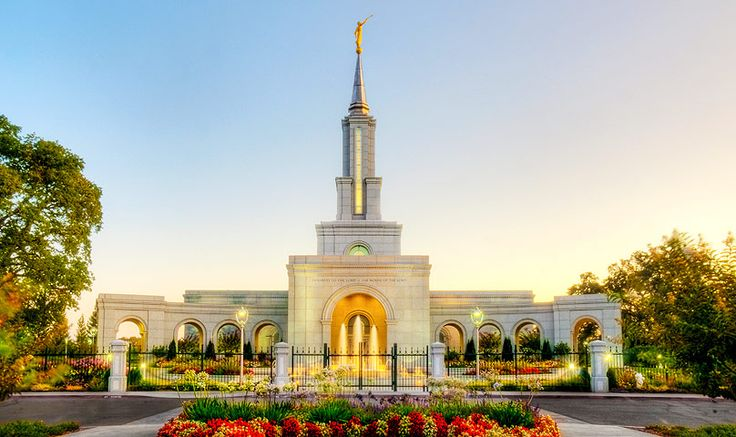 Sacramento LDS Temple Favorite place in the world. I'm going there someday.....