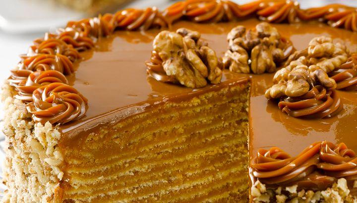 Torta de panqueques con manjar