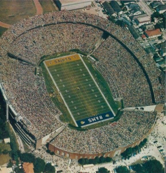 Pin By Mike Thornburg On Sports Football Nfl Football Stadium Nfl Stadiums Stadium Architecture