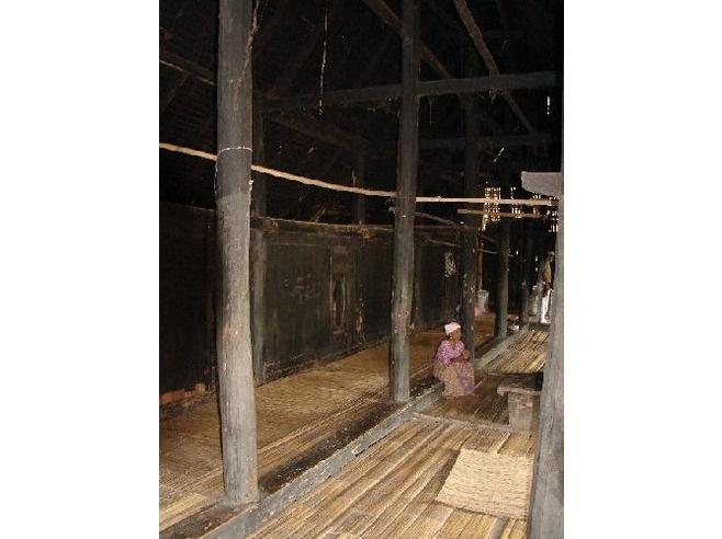 old school rumah adat