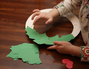 Google Image Result for http://www.allkidsnetwork.com/crafts/christmas/images/holly-wreath-craft.jpg