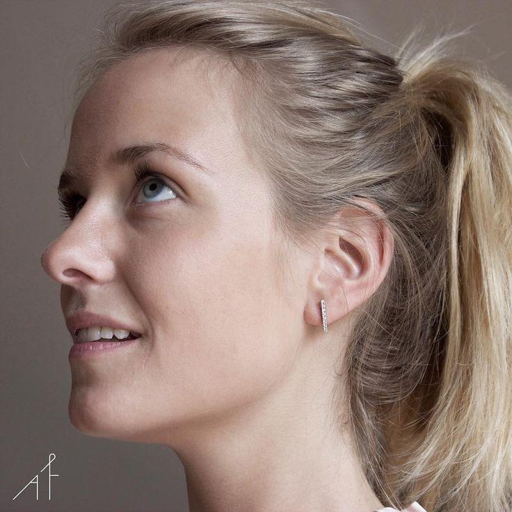 What a gem! Uppsala Earring is utterly irresistible!  #afewjewels #jewelry #fashion #model #blonde #goodnight #gem #uppsala #uppsalaearring #earring #amazing #diamond #blueeyes #afew #irresistible #simple #basic #style #instafashion #instamood #boanoite #gold #unique #photooftheday
