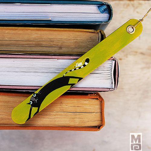 záložka... z lékařské špachtle 1 ks(s kocourem)) Ručně zpracovaná originální záložka do knihy...1ks ... hráškově zelená s kocourem Vyrobena z nové lékařské špachle neboli ústní lžičky. Je tedy ze dřeva, malována akrylovou barvou, přelakována, opatřena konopným provázkem. Existuje pouze 1 kus Rozměr dřívka 14,5 x 1,7 cm