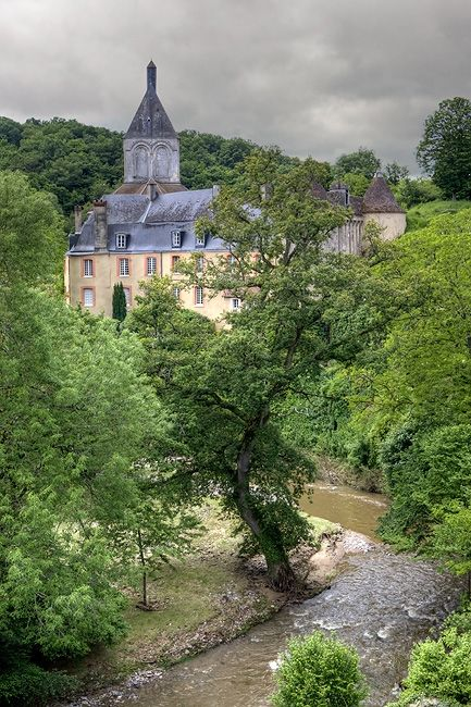The Artists' Village of Gargilesse ~ Loire.  I would like to stay here.