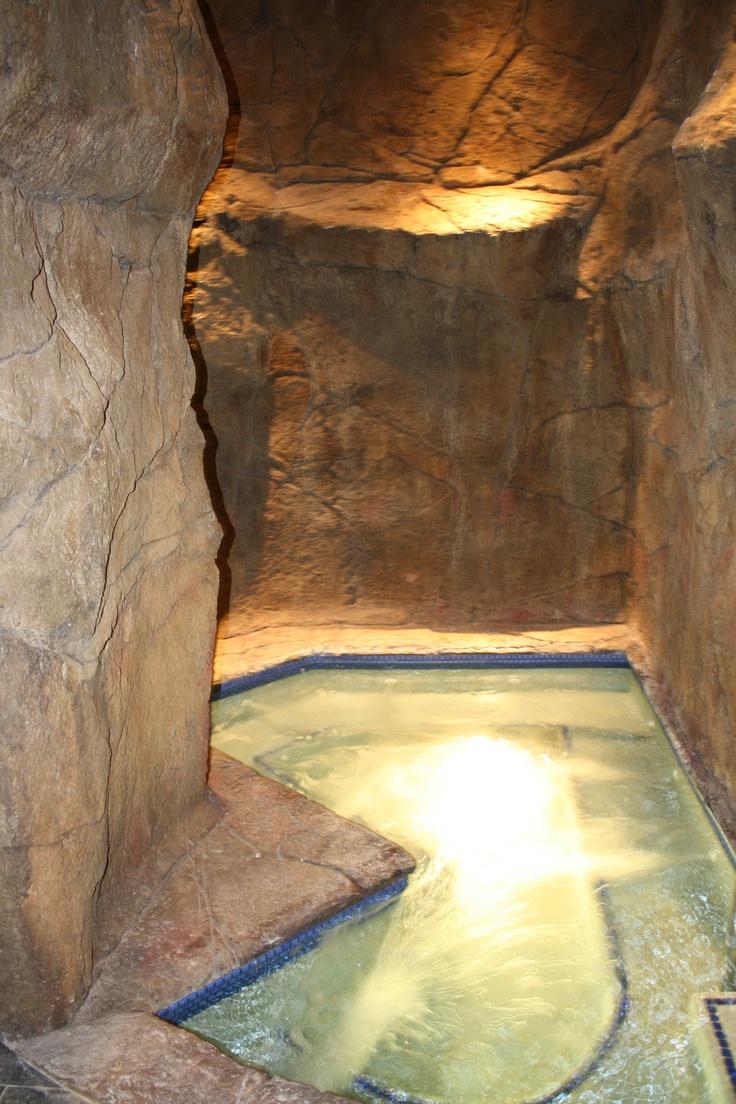 Ritz Carlton, Kapalua, Maui - The whirlpool room at the spa