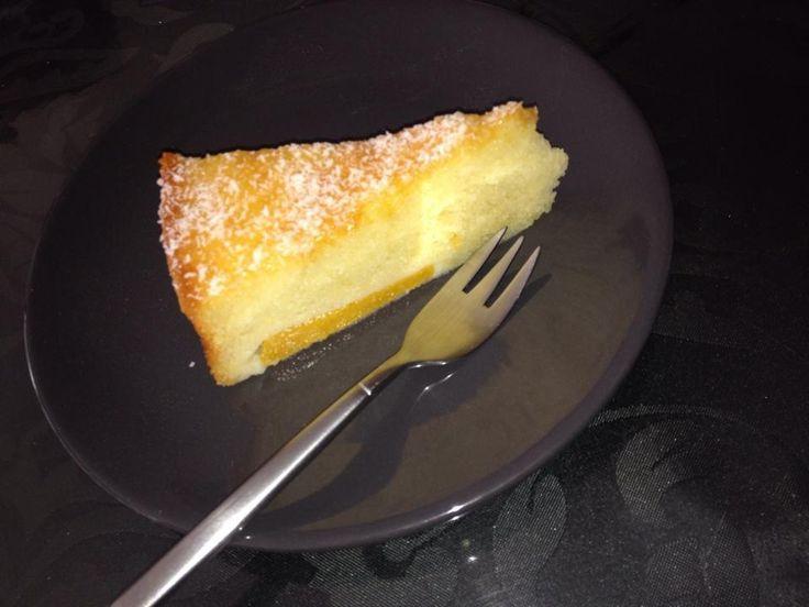 Een lekkere perzikcake met perzik yoghurt. Ik gebruik hier een glas van200ml. Ingrediënten: 4 eieren 1 glas zonnebloem olie 1 …