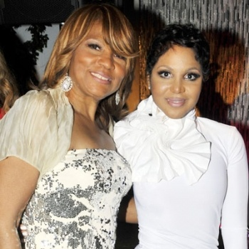 Toni Braxton and her mother, Evelyn Braxton.