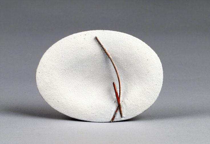 Kye-Yeon Son  Broche, Winterscape 5, 2015 -6  Acier, émail  6.8 x 5.5 x 1 cm