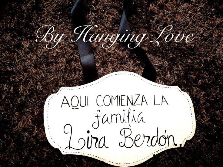 Bodas novias pajes pizarras de madera by Hanging Love