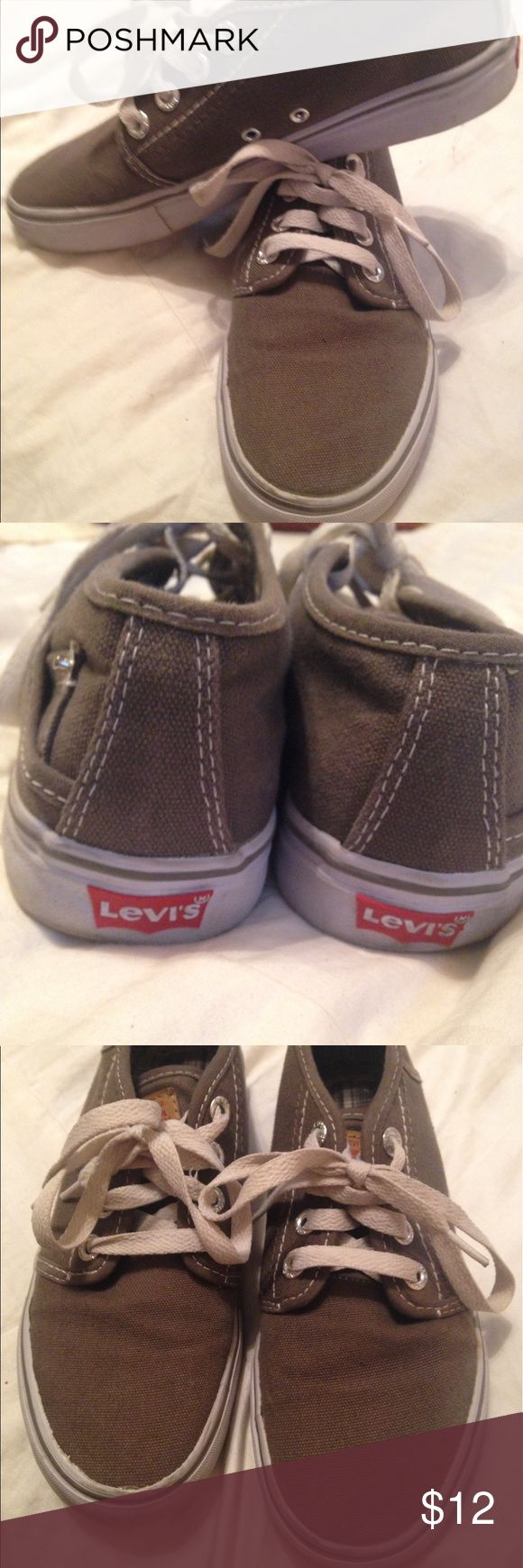 Women's Levi's sneakers Really cute pair of Levi's casual sneaks fit true to size great condition 8 1/2 Levi's Shoes Sneakers