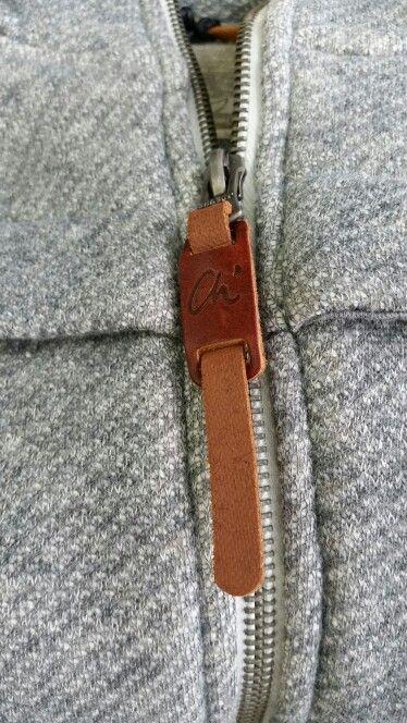 Zip pull