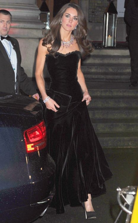Kate looks drop-dead gorgeous in a black velvet Alexander McQueen gown and her gorgeous shiny locks flowing at the Sun Military Awards in London.