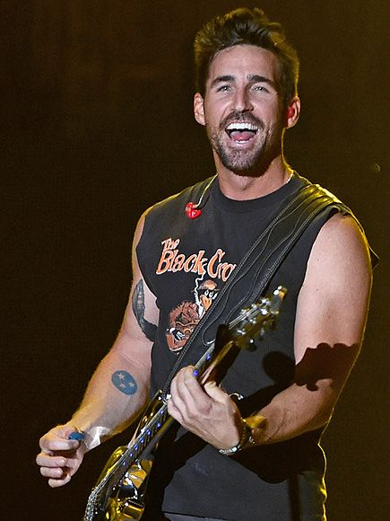 Jake Owen on Staying Fit on the Road - read the article on People.com, then get tickets to see him this summer at the Melody Tent (June 30, Hyannis, MA) & Music Circus (July 1, Cohasset, MA)!  melodytent.org and themusiccircus.org