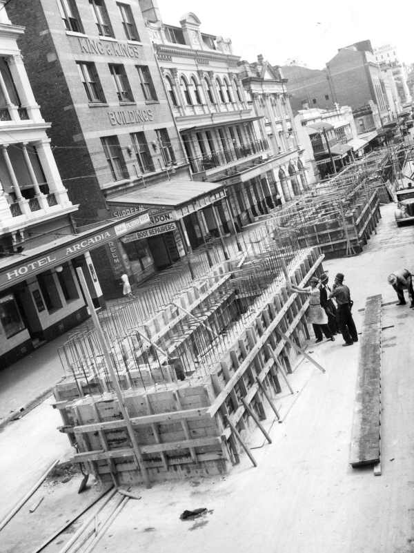 [Pill box shelters being built during World War II, in Elizabeth Street, Brisbane] [picture] , State Library of Victoria