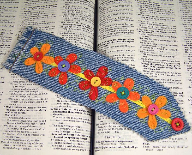 Denim Bookmark Blue Jean & Felt Flower with Vintage Buttons. Can also use scrap fabric for the flowers.