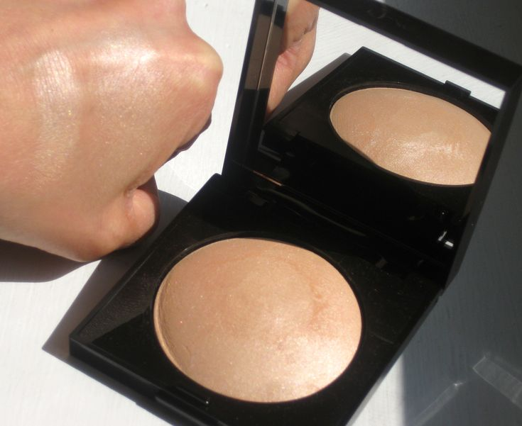 REALLY WANT IT :: Laura Mercier Matte Raidance Baked Powder in Highlight 01 (swatched heavily & blended out)...$36