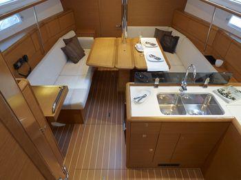 Jeanneau Sun Odyssey 379 (sailboat) - Spain 900-3000 Euros