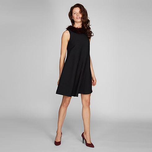 Yakası Kürklü Asimetrik Elbise