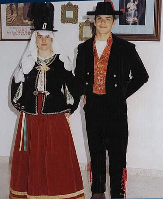 Traje tradicional de gabacha, Huelva                                                                                                                                                                                 Más
