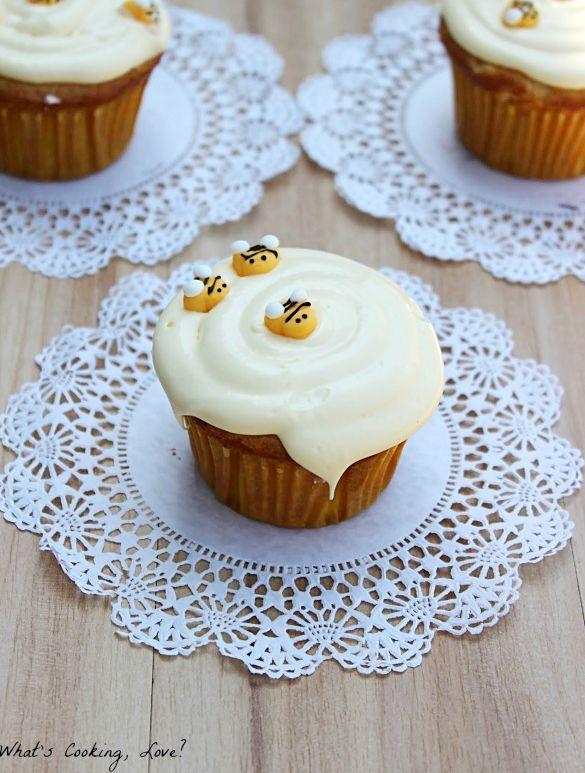 Honey Vanilla Cupcakes with Honey Buttercream Frosting ...