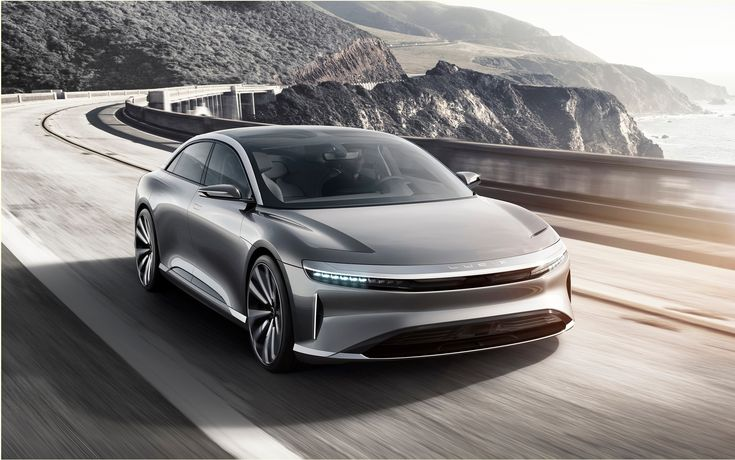 In addition to having to deal with the Chevrolet Bolt directly attack its future Model 3 Tesla must also foresee a serious competitor has its first Model S.Indeed, the Lucid Air Motors will have, in its basic version, an autonomy of 240 miles (386 km) and an electric motor of 400 hp. What is more impressive than the 210 miles (338 km) is the 315 horsepower of the Tesla Model S 60 base.   #auto #autoes #car #cars guide #Electric / Hybrid #News #The Car Guide #the cars #the L