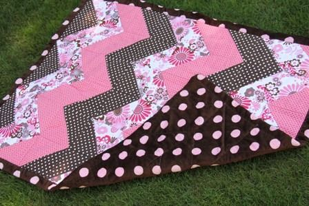 Chevron Baby Quilt | Crafty Staci. Hoping I'll have a reason to make baby quilts sometime in the future!