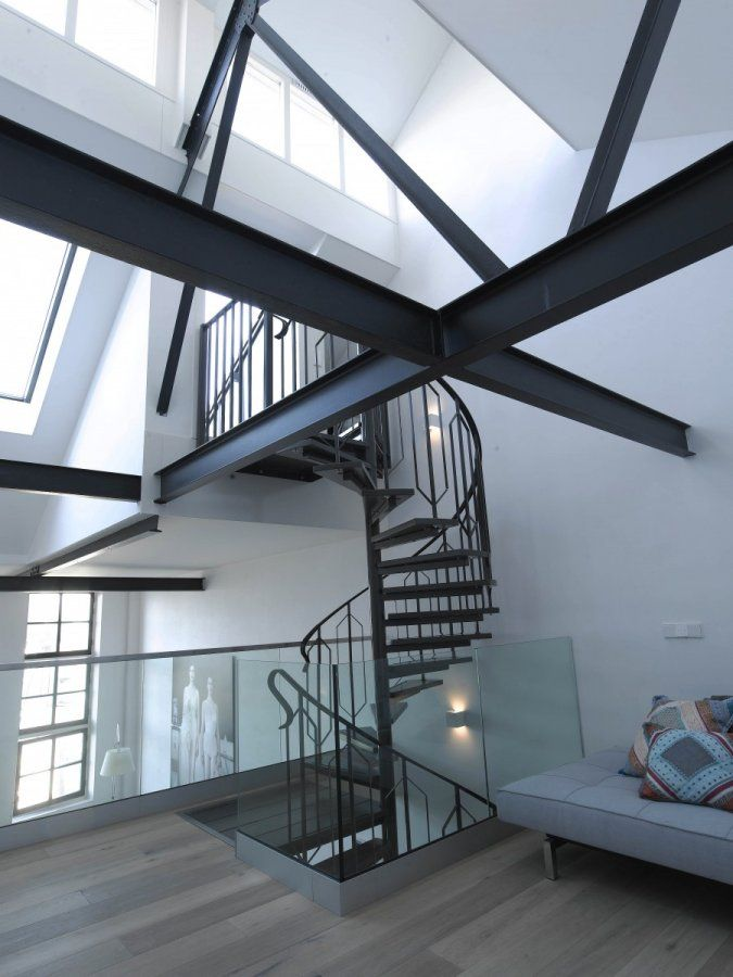 25 beste idee n over houten balken plafond op pinterest balken plafonds balkenplafond en - Decoratie van het interieur ...