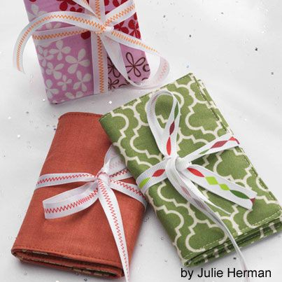The 25+ best Small quilted gifts ideas on Pinterest | Mug rugs ... : small quilting projects gifts - Adamdwight.com
