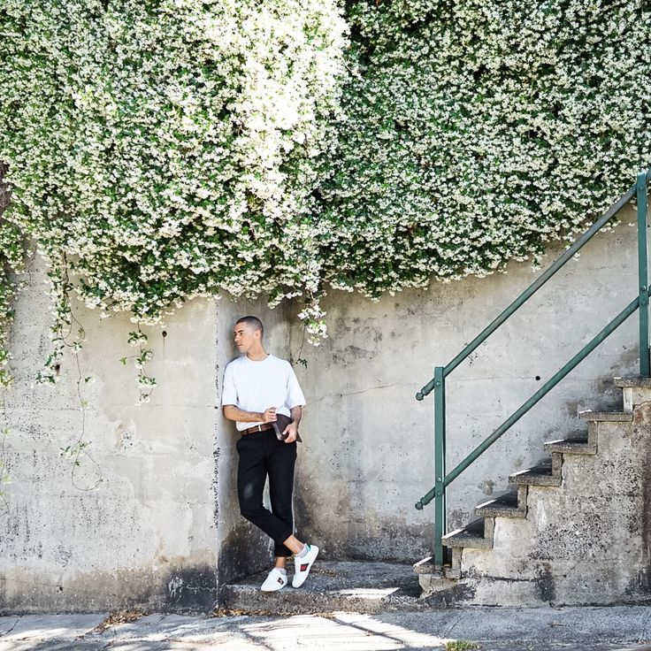 Mens Fashion Style & Outfit inspo by Blogger MR TURNER. COS tshirt and black pants with a Gucci Ace sneaker for Spring Summer
