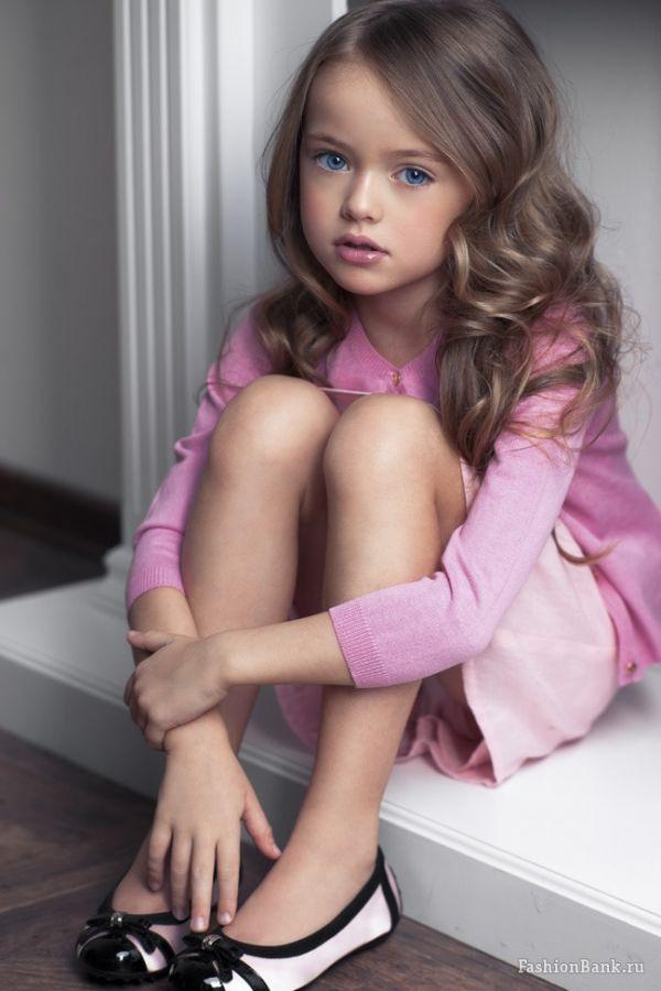 Voici la plus belle fille du monde ! Les plus grands noms de la mode s'arrachent…