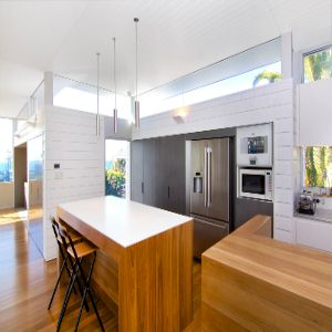 Awesome use of weatherboard in kitchen. Would be great on deck too!