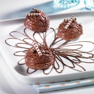 Sahniges Eis mit zartschmelzender Nougat-Creme