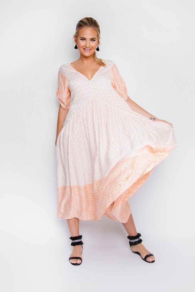 7e45cacdb3 The Mackay Peach and White Maxi Dress is a simple oversized maxi that is  great as a plus size dress or even maternity dress. Visit  www.featherfox.com.au and ...