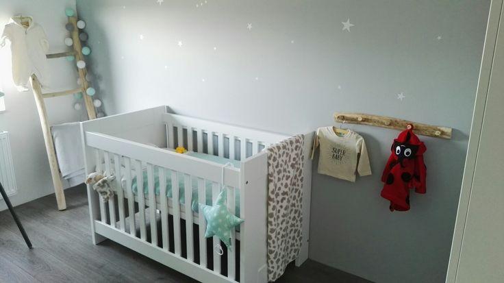 Babykamer mintgroen grijs sterren baby boy